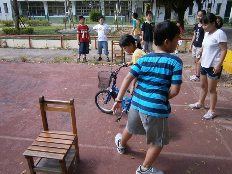Students in the relay race. Photo courtesy of Kevin Milligan.